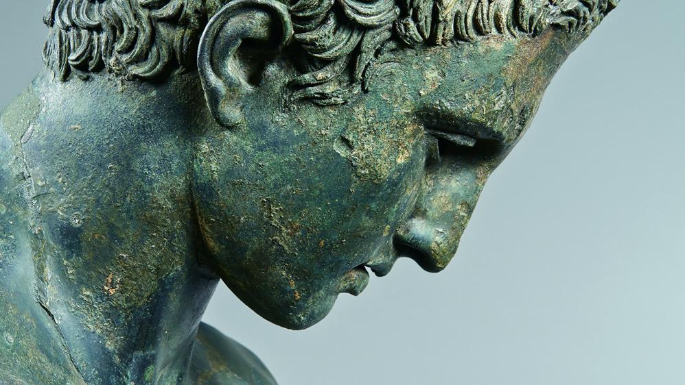 Perfetta scultura in ellenica armonia