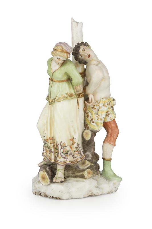 Gruppo in porcellana policroma, manifattura di Capodimonte o del Buen Retiro, circa 1757-1765raffigurante Olindo e Sofronia, Alt. cm 40, larg. cm 22Stima € 4.500 – 5.000
