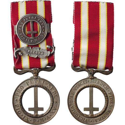 MEDAGLIE E DECORAZIONI PONTIFICIE. PIO IX. PRO PETRI SEDE Bronzo argentato, 39 mm, BB. Molto Rara.<b