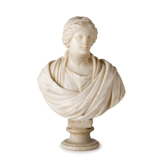 SCULTURA IN MARMO, XVIII-XIX SECOLO raffigurante busto di vestale dallantico, su base in alabastro p